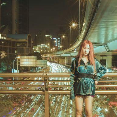2018-07-25 火红色的少女 南京西路PORTS旗舰店街拍_摄影师江南小生的返片