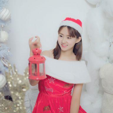 2018-12-09 演员胡静怡性感圣诞服拍摄_摄影师翼的返片